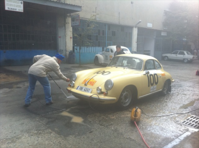 lola-porsche-356-peking-paris-car-wash.jpg