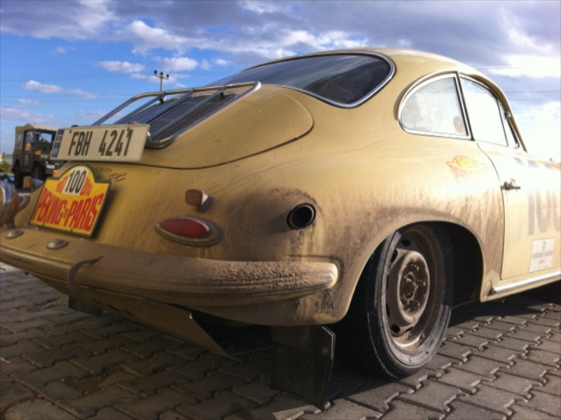 peking-paris-dirty-sexy-porsche-356.jpg